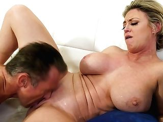 Fantastic Mummy Dee Williams Loves The Way Hubby Deepthroats Her Breasts As She Rails Him